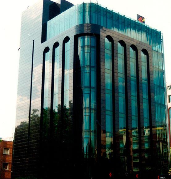 Edificio de oficinas locales comerciales y garaje - Estudios arquitectura bilbao ...